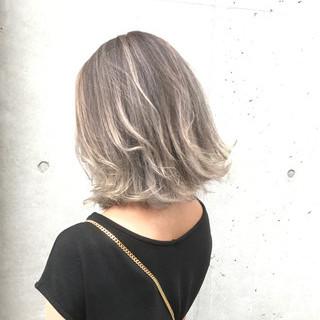 グラデーションカラー グレージュ 外国人風 ハイライト ヘアスタイルや髪型の写真・画像