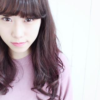 グラデーションカラー ピンク パープル ナチュラル ヘアスタイルや髪型の写真・画像