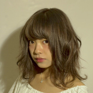 暗髪 ガーリー こなれ感 外国人風 ヘアスタイルや髪型の写真・画像