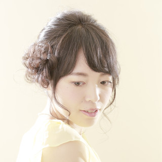 フェミニン ヘアアレンジ ミディアム 編み込み ヘアスタイルや髪型の写真・画像
