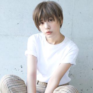 アンニュイ 大人かわいい ナチュラル アッシュ ヘアスタイルや髪型の写真・画像