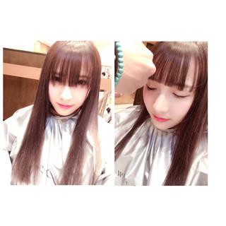前髪あり 前髪パッツン 重めバング ナチュラル ヘアスタイルや髪型の写真・画像
