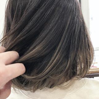 グラデーションカラー ナチュラル アッシュグレージュ ハイライト ヘアスタイルや髪型の写真・画像
