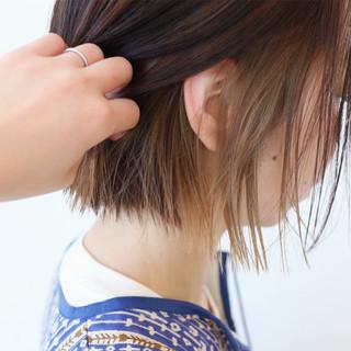 ボブ ミニボブ インナーカラー ベージュ ヘアスタイルや髪型の写真・画像