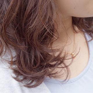 コンサバ 外国人風 ウェーブ パーマ ヘアスタイルや髪型の写真・画像 ヘアスタイルや髪型の写真・画像