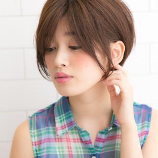 小顔 ピュア 耳かけ ナチュラル ヘアスタイルや髪型の写真・画像 ヘアスタイルや髪型の写真・画像
