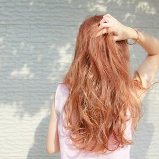 リラックス レッド 秋 ピンク ヘアスタイルや髪型の写真・画像