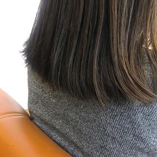 ハイライト ハイトーンカラー ミルクティーベージュ セミロング ヘアスタイルや髪型の写真・画像