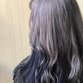 セミロング アッシュグレー 透明感カラー インナーカラー ヘアスタイルや髪型の写真・画像