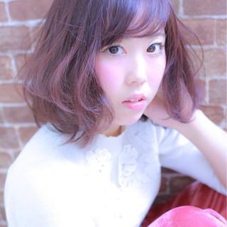 ガーリー 大人女子 ベリーピンク 小顔 ヘアスタイルや髪型の写真・画像