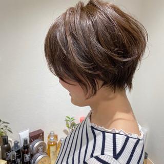 ミニボブ くびれボブ ナチュラル ショート ヘアスタイルや髪型の写真・画像