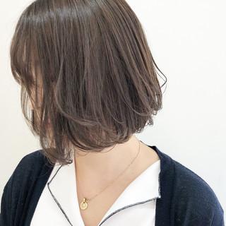 アッシュ 簡単ヘアアレンジ 大人かわいい ナチュラル ヘアスタイルや髪型の写真・画像