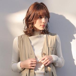 カジュアル ミディアムレイヤー ヘルシーミディ 大人カジュアル ヘアスタイルや髪型の写真・画像