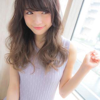外国人風 セミロング ピュア 大人かわいい ヘアスタイルや髪型の写真・画像