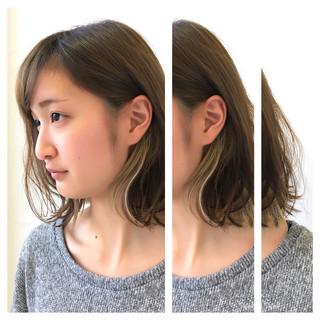 ミディアム レイヤーカット 外国人風 外ハネ ヘアスタイルや髪型の写真・画像