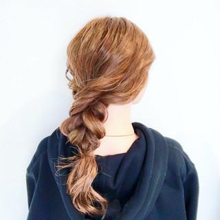 バレンタイン ヘアアレンジ 謝恩会 フェミニン ヘアスタイルや髪型の写真・画像