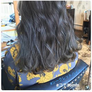 ガーリー セミロング ヘアカラー アンニュイほつれヘア ヘアスタイルや髪型の写真・画像