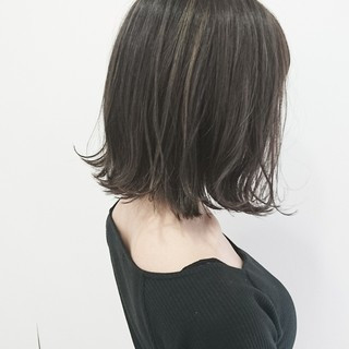 ボブ ハイライト ストリート アッシュグレージュ ヘアスタイルや髪型の写真・画像