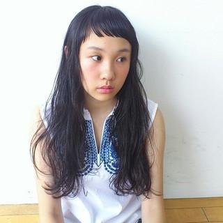 ロング モード 斜め前髪 暗髪 ヘアスタイルや髪型の写真・画像 ヘアスタイルや髪型の写真・画像