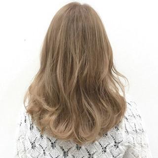ガーリー セミロング デート ブリーチ ヘアスタイルや髪型の写真・画像