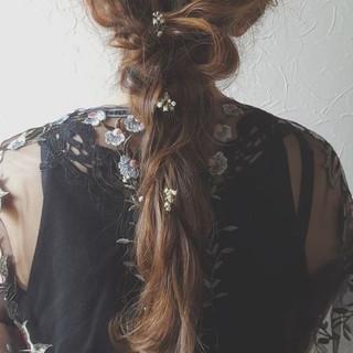 ロング ヘアアレンジ 大人女子 フェミニン ヘアスタイルや髪型の写真・画像 ヘアスタイルや髪型の写真・画像