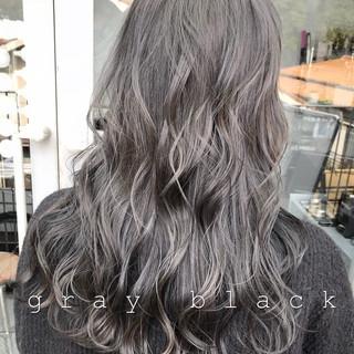 グレージュ 暗髪 モード ブルーブラック ヘアスタイルや髪型の写真・画像