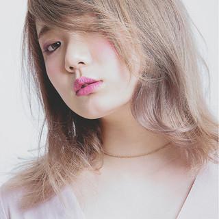 ハイトーン セミロング 外国人風 ストリート ヘアスタイルや髪型の写真・画像
