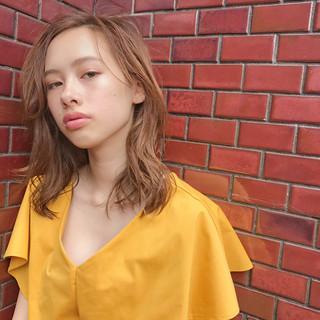 フェミニン 簡単スタイリング デート アンニュイほつれヘア ヘアスタイルや髪型の写真・画像