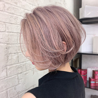 インナーカラー フェミニン ボブ ショートヘア ヘアスタイルや髪型の写真・画像