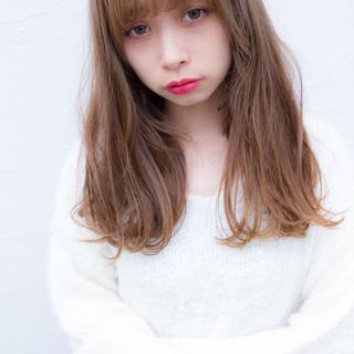 ナチュラル 前髪あり 大人かわいい フェミニン ヘアスタイルや髪型の写真・画像