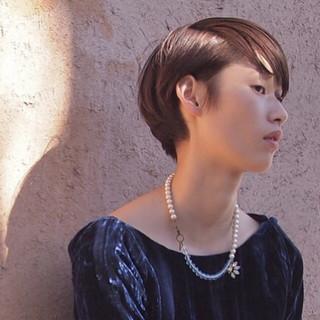 暗髪 ショート モード ウェットヘア ヘアスタイルや髪型の写真・画像 ヘアスタイルや髪型の写真・画像