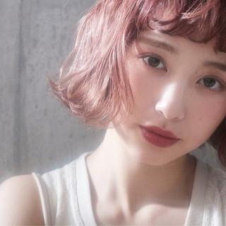 ピンクベージュ ラベンダーピンク ボブ ミルクティーベージュ ヘアスタイルや髪型の写真・画像
