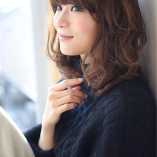 アッシュ フェミニン 大人かわいい セミロング ヘアスタイルや髪型の写真・画像