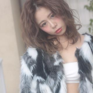 パーマ 外国人風 フェミニン ブラウン ヘアスタイルや髪型の写真・画像