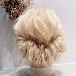 学生 フェミニン 結婚式 ミディアム ヘアスタイルや髪型の写真・画像 ヘアスタイルや髪型の写真・画像