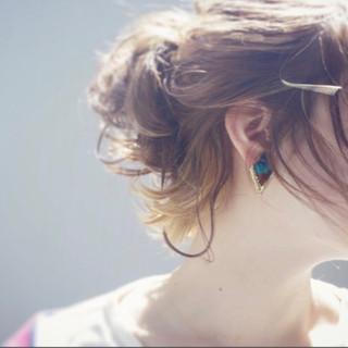 ショート デート 大人女子 簡単ヘアアレンジ ヘアスタイルや髪型の写真・画像 ヘアスタイルや髪型の写真・画像