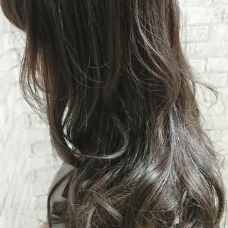 グレージュ ラベンダーアッシュ ナチュラル セミロング ヘアスタイルや髪型の写真・画像 ヘアスタイルや髪型の写真・画像