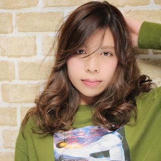 ハイライト ヘアアレンジ 夏 外国人風 ヘアスタイルや髪型の写真・画像 ヘアスタイルや髪型の写真・画像