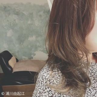 エレガント ロング 大人かわいい アンニュイほつれヘア ヘアスタイルや髪型の写真・画像 ヘアスタイルや髪型の写真・画像