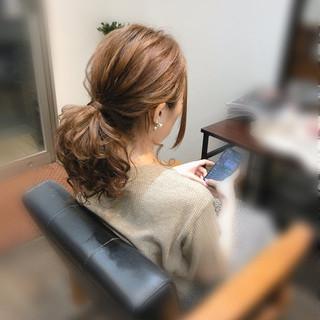 ローポニーテール ヘアセット ポニーテールアレンジ ミディアム ヘアスタイルや髪型の写真・画像