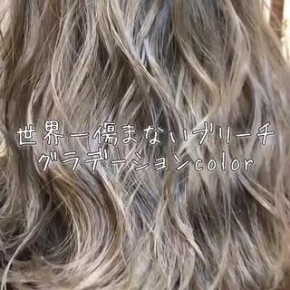 セミロング 外国人風カラー グレージュ 透明感 ヘアスタイルや髪型の写真・画像