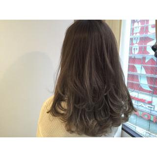ストリート 透明感 セミロング アッシュ ヘアスタイルや髪型の写真・画像