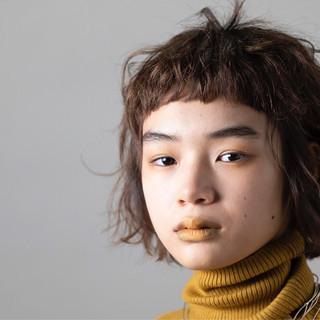 ゆるふわ 前髪パッツン フェミニン モード ヘアスタイルや髪型の写真・画像