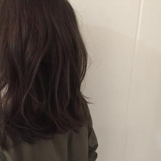 外国人風 ストリート 大人かわいい 暗髪 ヘアスタイルや髪型の写真・画像