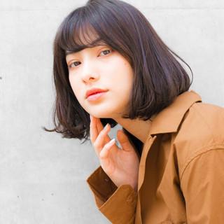 ショート ナチュラル 前髪あり 色気 ヘアスタイルや髪型の写真・画像