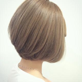 ボブ ブラントカット ガーリー アッシュ ヘアスタイルや髪型の写真・画像