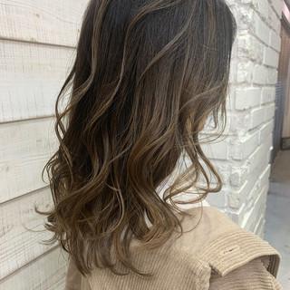 インナーカラー ウルフカット ショートボブ セミロング ヘアスタイルや髪型の写真・画像