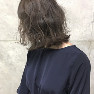 冬 透明感 アンニュイ ナチュラル ヘアスタイルや髪型の写真・画像
