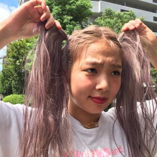 ロング 外国人風 グレージュ ハイトーン ヘアスタイルや髪型の写真・画像