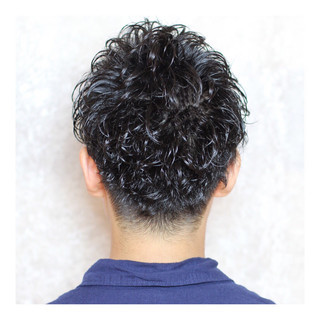 ショート ナチュラル 刈り上げ パーマ ヘアスタイルや髪型の写真・画像